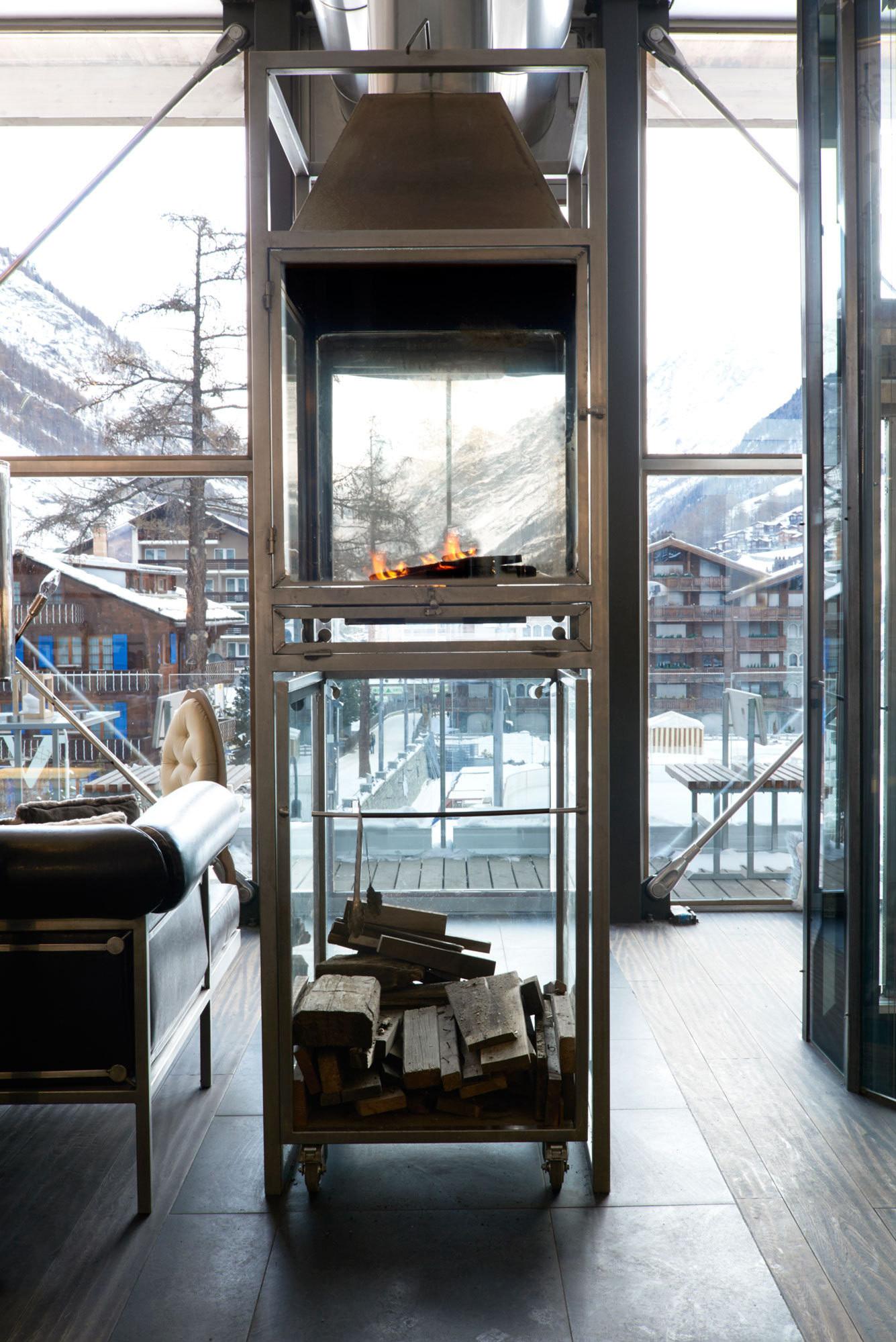 heinz_julen_fireplace